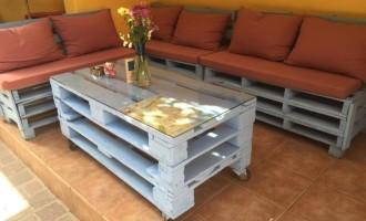 palettenbett und palettenm bel m bel selber bauen aus einwegpaletten und europaletten. Black Bedroom Furniture Sets. Home Design Ideas