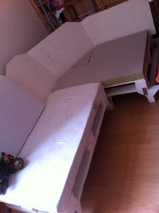 Sofa-Endmontage: Polstern des Eckteils