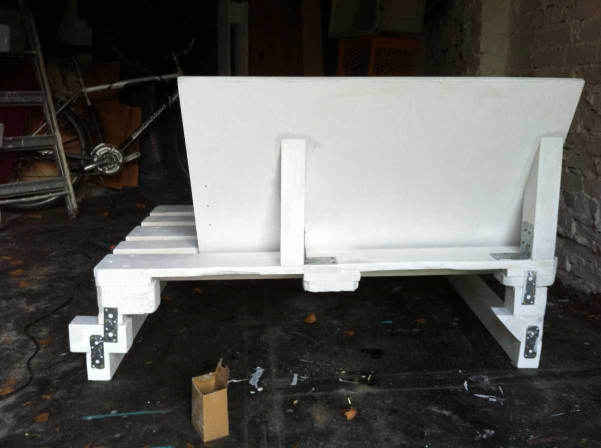 palettensofa sofa selber bauen teil 2 palettenbett und. Black Bedroom Furniture Sets. Home Design Ideas