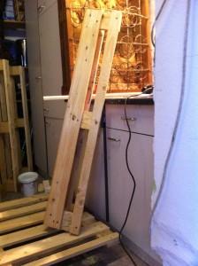 Palettenmöbel: Schreibtisch, Zuschnitt der Paletten-Teilstücke