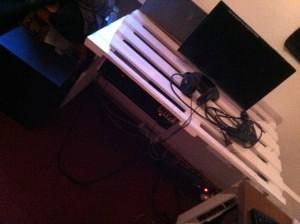 Palettenmöbel: Schreibtisch, Erstes Teilstück mit Verstärker im Unterbau, endmontiert