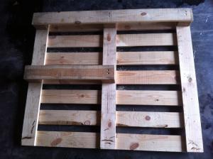 Palette für dreieckigen Schreibtisch: Vorbereitende Umbauten