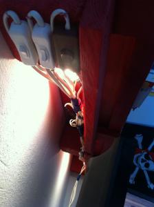 Schreibtischbeleuchtung unterm Regal - Detail Lichtschalter