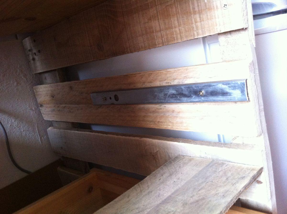 Hervorragend Küchenschrank: Schubladenschrank mit Paletten selberbauen  FI95