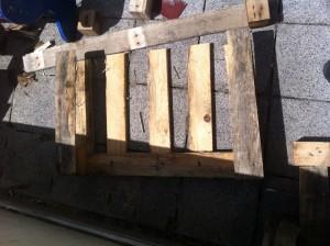 Fussteil Gartenstuhl aus Paletten: Schritt 1