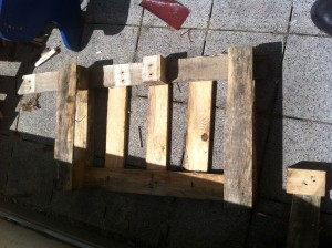 Fussteil Gartenstuhl aus Paletten: Schritt 2