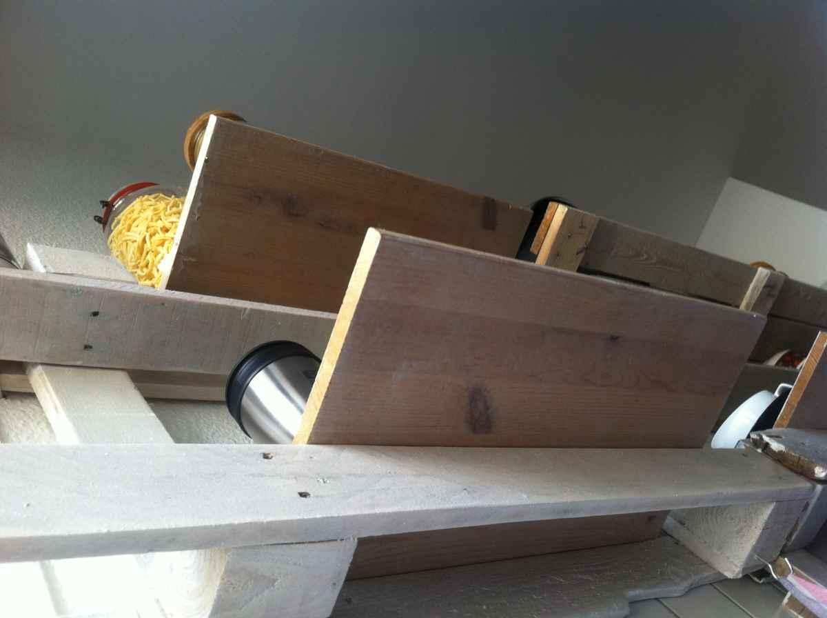 Küchenregal aus paletten   palettenregal 2   palettenbett und ...