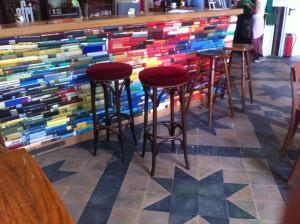 Büchertheke in der  Utopiastadt, andere Blickrichtung