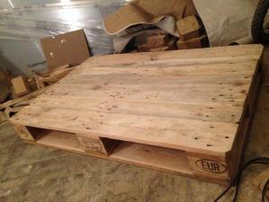Couchtisch-Rohling, Reste entfernt, Tischplatte nun oben