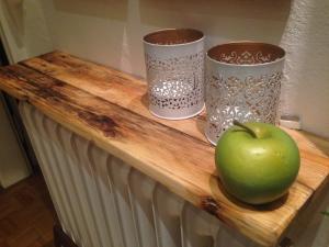 Wandregal aus Palettenholz, geschliffen, Leinöl-Finish