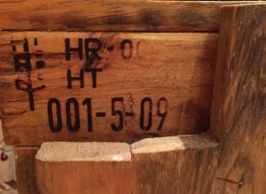 Leinöl-Finish vom alten Badezimmer-Unterschrank