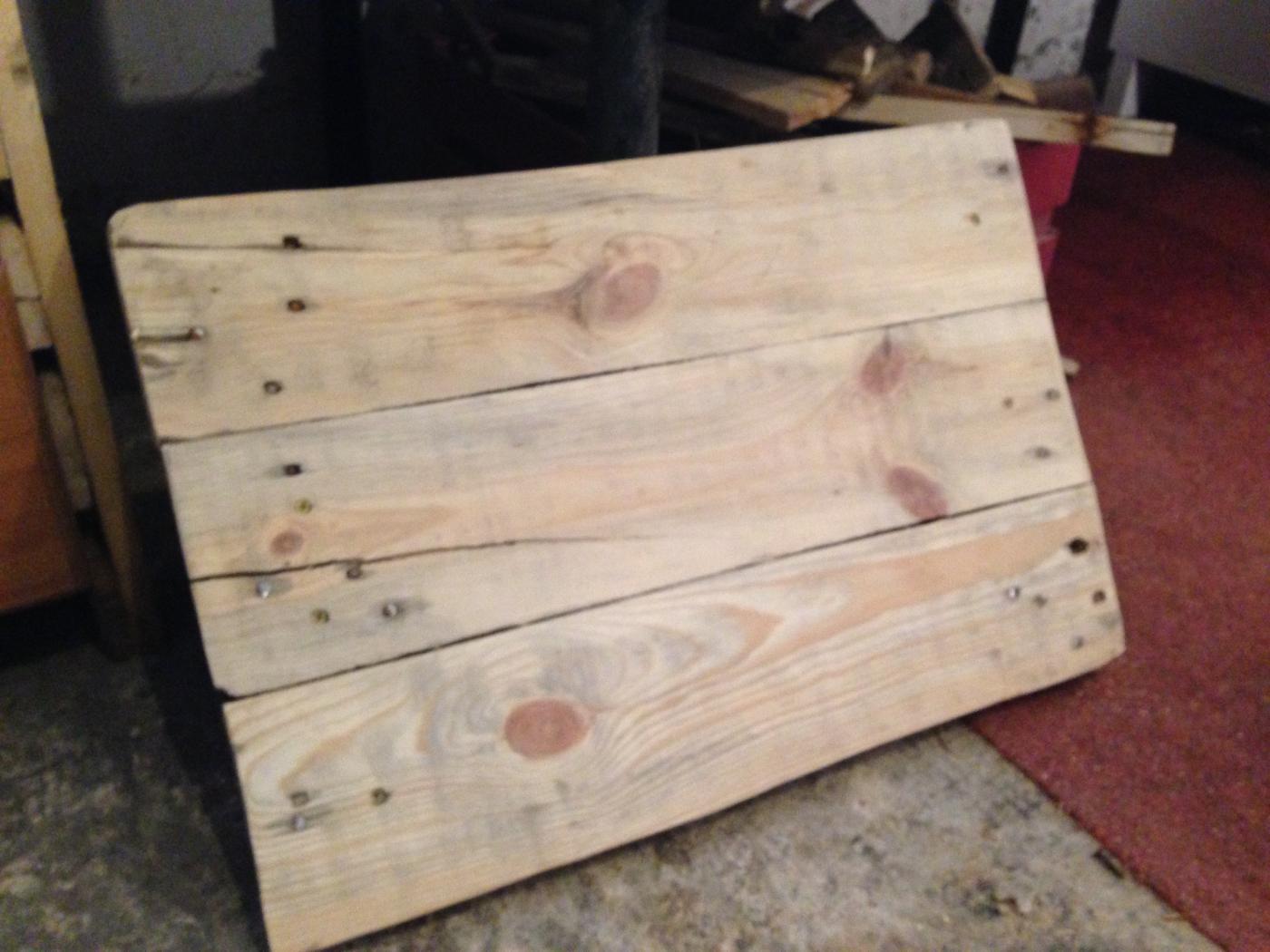 Waschbeckenunterschrank aus paletten selber bauen  Badezimmerschrank: Waschbecken-Unterschrank aus Palettenholz ...