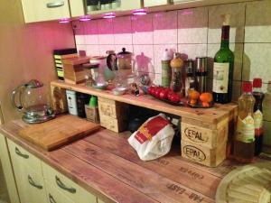 Küchenregal, Europalette, für die Arbeitsplatte