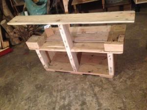 Grilltisch aus Palettenholz, dritte Ebene