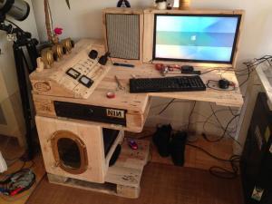 Steampunk-Schreibtisch mit Tor-Server, Teil 1 fertiggestellt