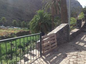 Paletten-Gartentor auf Gomera