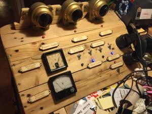 Schreibtisch-Schaltpult 1, beschriftet