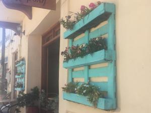 Hänge-Blumenbeet aus Paletten, Kreta