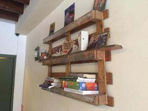 Paletten-Bücherregal, extrem einfach, Kreta