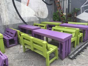 Paletten-Kneipenbestuhlung und -tischung