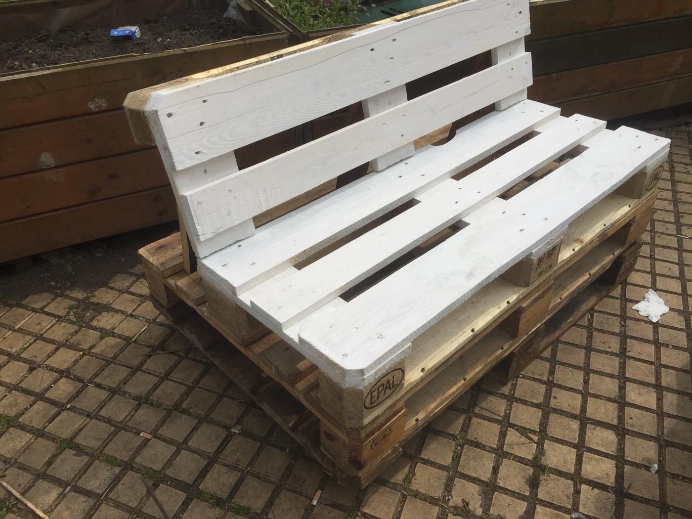 palettenbank outdoor und robust palettenbett und